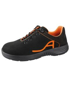 Stylish safety shoe with reflective material